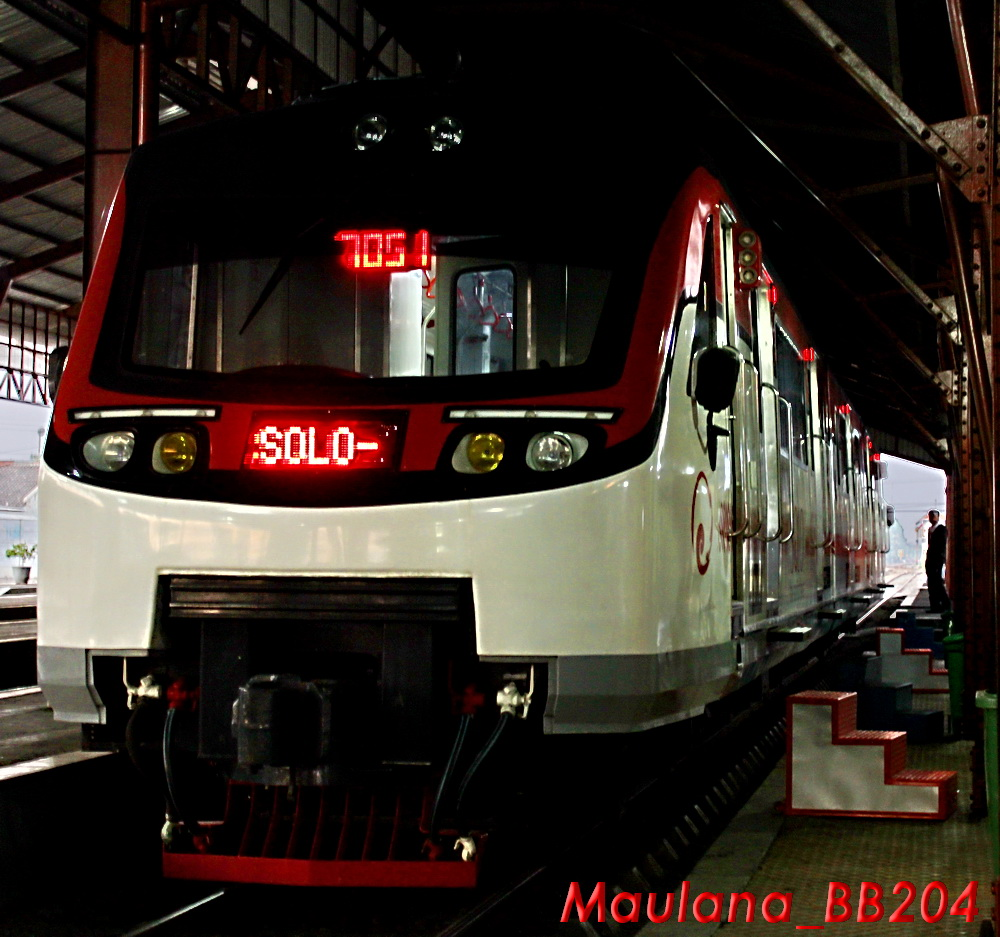 "INKA railbus ""SOLO"" displayed in LED lights front view"
